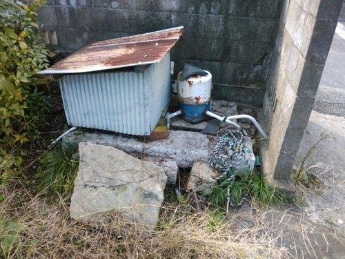 井戸も使用可能です。(撤去は買主様実費) (現地(2017年11月)撮影 )